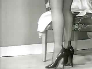Busty tan nylon legs retro movies