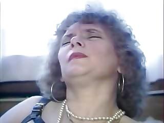Mature granny classic porno video